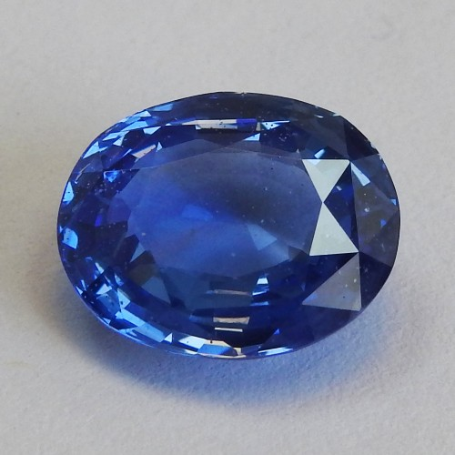 5.80 carat Top of the Line Extra Fine Royal blue Sapphire - Oval cut - GRS certified