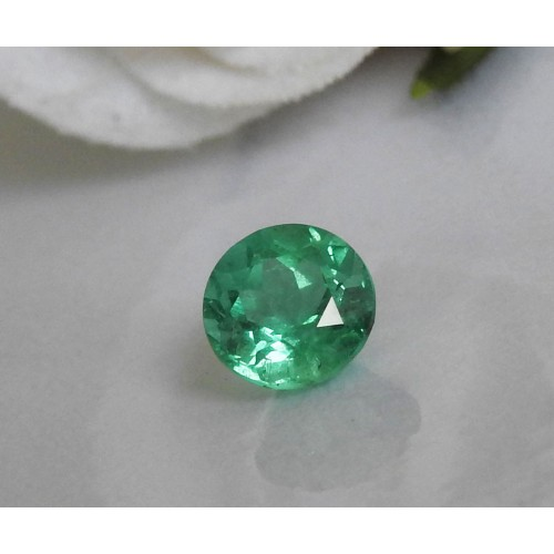 7 mm Emerald, Round Emerald, Brilliance, Sparkle, Shiny Green, For Emerald Pendant or for Emerald Ring, 1.42 carat